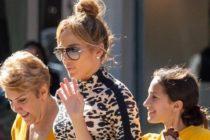 ¡Abdominales de acero! Jennifer López se pasea por Miami con su familia en ropa deportiva +Fotos