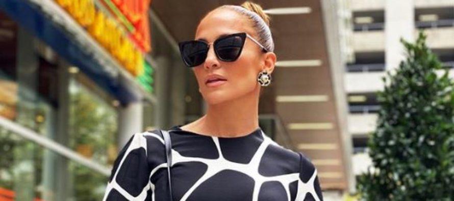 Jennifer López arrasa en redes sociales con sensual traje de leopardo (+Fotos)
