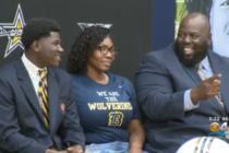 Nombran All-Americans a dos jugadores de fútbol de la escuela secundaria del sur de Florida