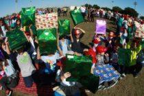 Bomberos de Hialeah regalaron  juguetes a niños de la localidad