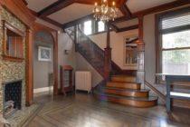 Casa en Nueva York declarada «legalmente embrujada» está a la venta