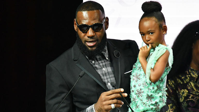 Al estilo Kardashians! Le Bron James le regaló a su hija una versión en miniatura de la mansión familiar