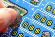 Mujer reclama premio mayor de $ 2 millones en la Lotería de Florida