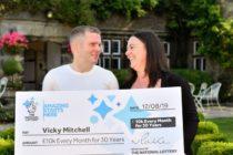 Mujer gastó su último dólar en lotería y ganó $4 millones