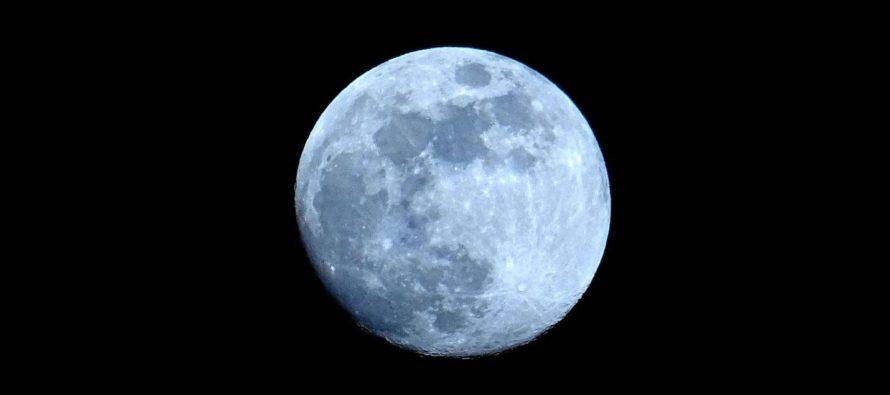 ¡De cuidado! La Luna se está volviendo más pequeña
