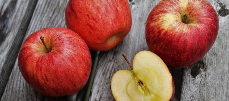 Por posible contaminación por listeria retiran del mercado manzanas en Florida y otros 7 estados