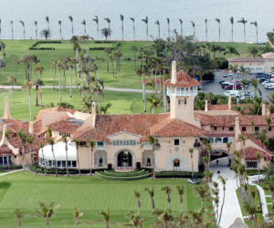 China acusada de irrumpir en Mar-A-Lago Resort quiere despedir a sus abogados