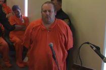 El hombre acusado de matar a su familia en Celebration aparece en el tribunal enjaulado