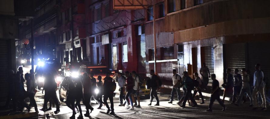 Crisis eléctrica en Venezuela: Aún hay estados sin servicio