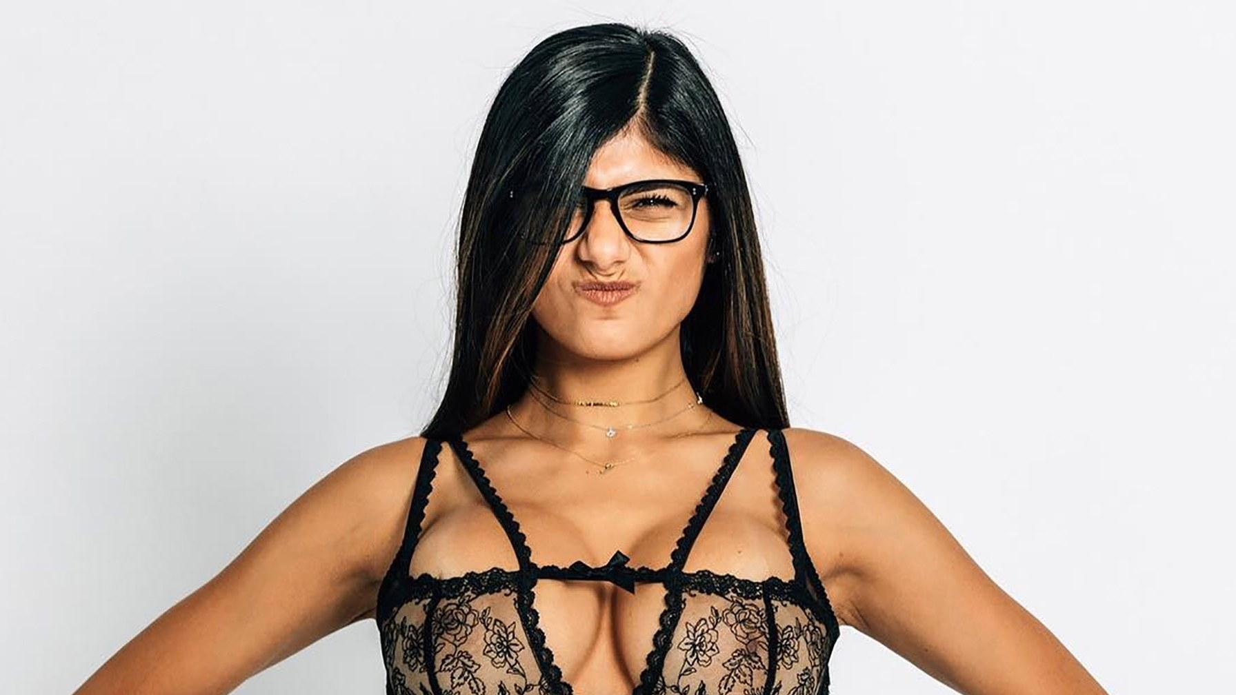 Actriz Porno Que Se Volvio A Operar descubierta! no creerás lo que hizo la sexy mia khalifa en