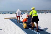 Playas en Florida estarán colocando rampas especiales «Mobi-Mat» para el disfrute de personas con discapacidad