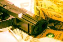 Robó un banco en Ohio, pero le dejó a la cajera un papel con información personal y fue arrestado horas más tarde