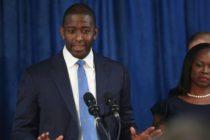 Ex candidato a Gobernador, Andrew Gillum acepta pagar multa de ética por $ 5,000