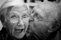 Investigadora aseguró que la vejez ya no llega a los 70 sino cuando nos volvemos dependientes