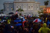 Población de Puerto Rico protestó por almacén lleno de suministros de emergencia sin usar