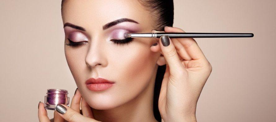 Conoce 8 tendencias de maquillaje para brillar esta temporada