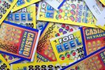 ¡Suerte! Hombre que venció dos veces el cáncer… también ganó $1.5 millones en la lotería
