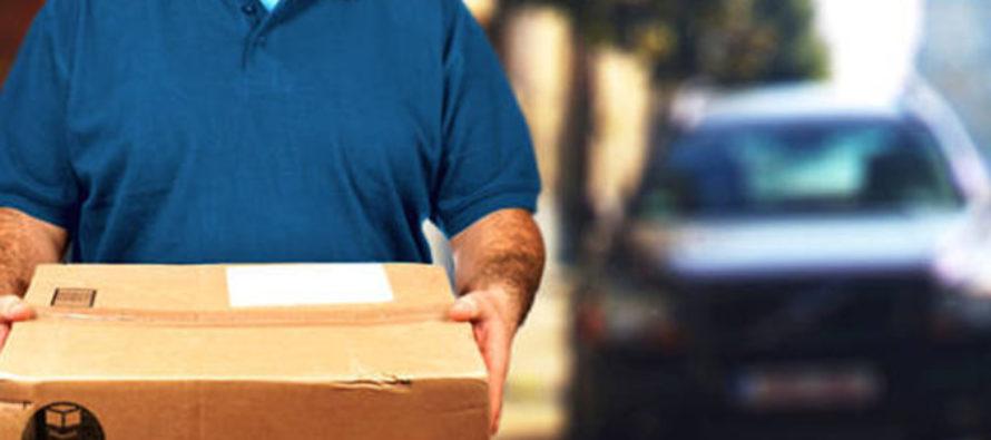 Nunca creería lo que hizo este repartidor de correo con su entrega en Florida  (Video)