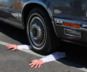 Le tocaba: Murió atropellado por el coche Lexus que pretendía comprar