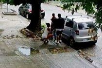¡Insólito! Se hizo pasar por prostituta y le robó mientras le hacía sexo oral en la calle (Video)