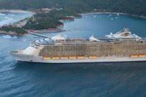Grúa se estrella contra el Oasis of the Seas en las Bahamas