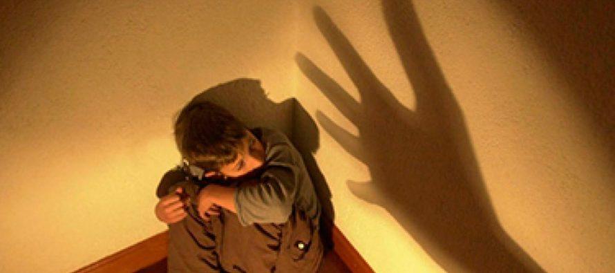 Mató a golpes a su hija con Síndrome de Down porque lo interrumpió mientras veía TV