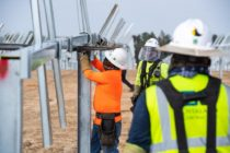 Gulf Power instala la primera ronda de paneles solares en Jackson