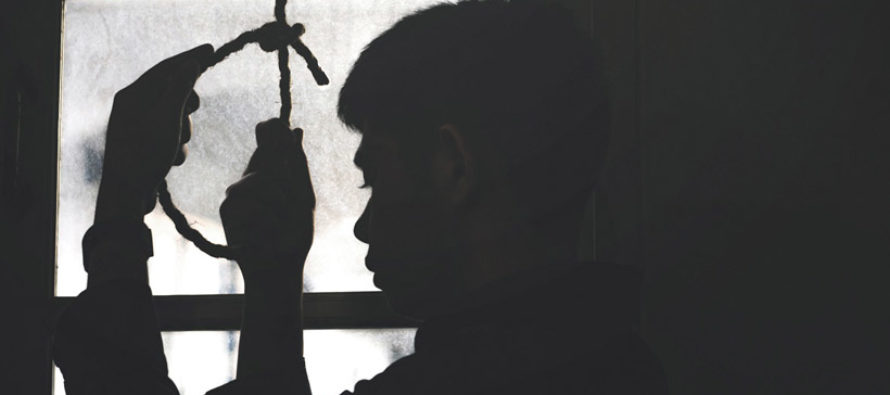 Acusan a una joven de incitar a su novio a suicidarse tras enviarle 47.000 mensajes