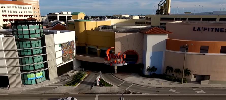 Luego de haber quedado en el olvido, el centro comercial Shops at Sunset Place será completamente remodelado