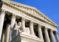 """La Corte Suprema permite al gobierno de Trump aplicar la regla de «carga pública"""""""