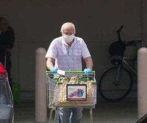 En Miami-Dade, se verán forzados a evitar las multitudes en las tiendas