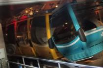 Visitantes quedaron atrapados por horas en teleférico Skyliner de Disney