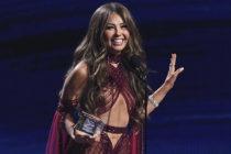 Thalía se une a drag queen brasilera en su nuevo tema «Tímida» (video)