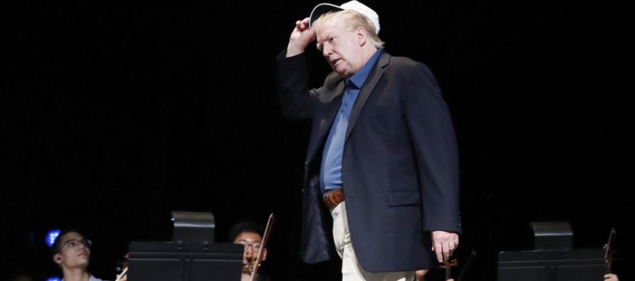 ¡Furor! Sensación en las redes sociales por nuevo peinado de Trump