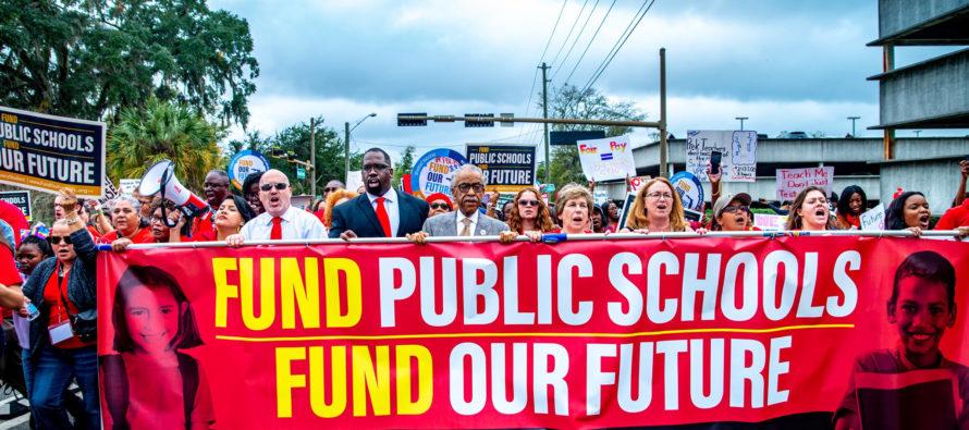 Asociación de Educación de la Florida: «DeSantis no proporciona soluciones reales para escuelas públicas»