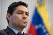 Embajador Vecchio encabeza protesta mundial y acto de independencia venezolana