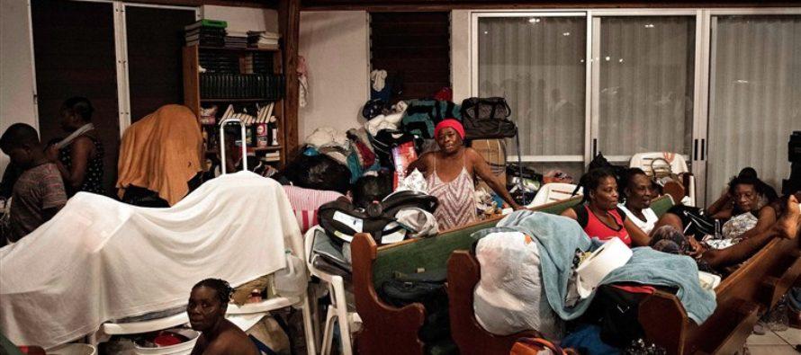 Llega a Florida segundo contingente de bahameños evacuados por Dorian
