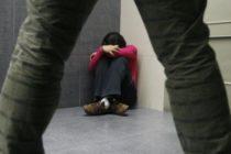 Un hombre  golpea y viola a su novia embarazada para matar al feto