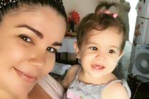 Madre de niña que falleció tras ser vacunada salió de Cuba tras amenazas